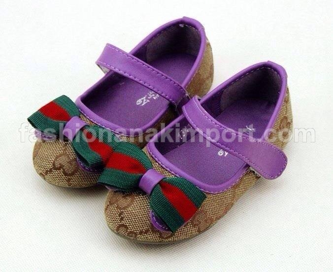 KSB149-095, SHOES WITH GREEN-RED RIBBON